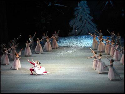 Спектакль на льду «Щелкунчик и проклятие тьмы»